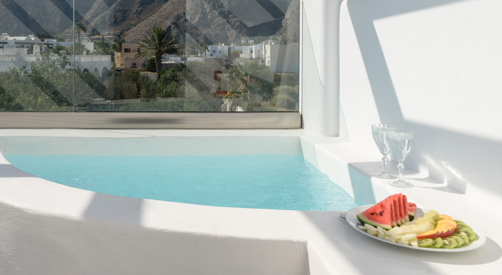 Santorini Hotel Suites by Antoperla – Santorini Suites with Outdoor Jacuzzi