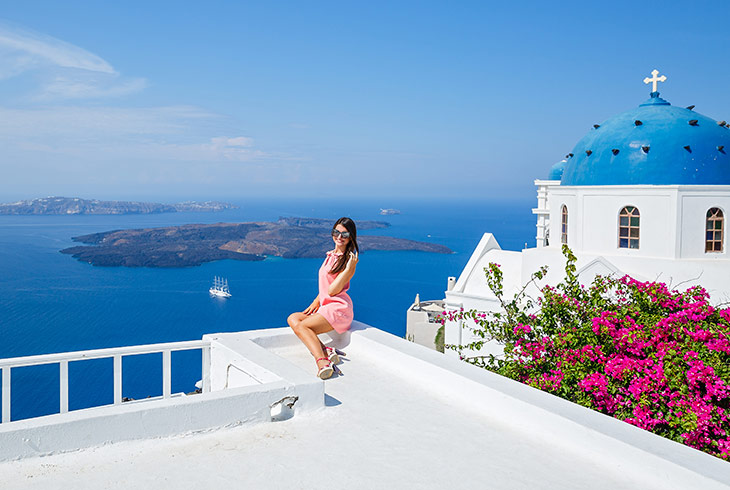 The Most Idyllic Places in Santorini to Get a Picture
